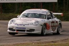 STCC Finalen 2004  Ostadigt väder, regnskurar.