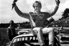 Mats Lindén höll undan och vann och blev därmed svensk mästare i Super Saloon 1984.